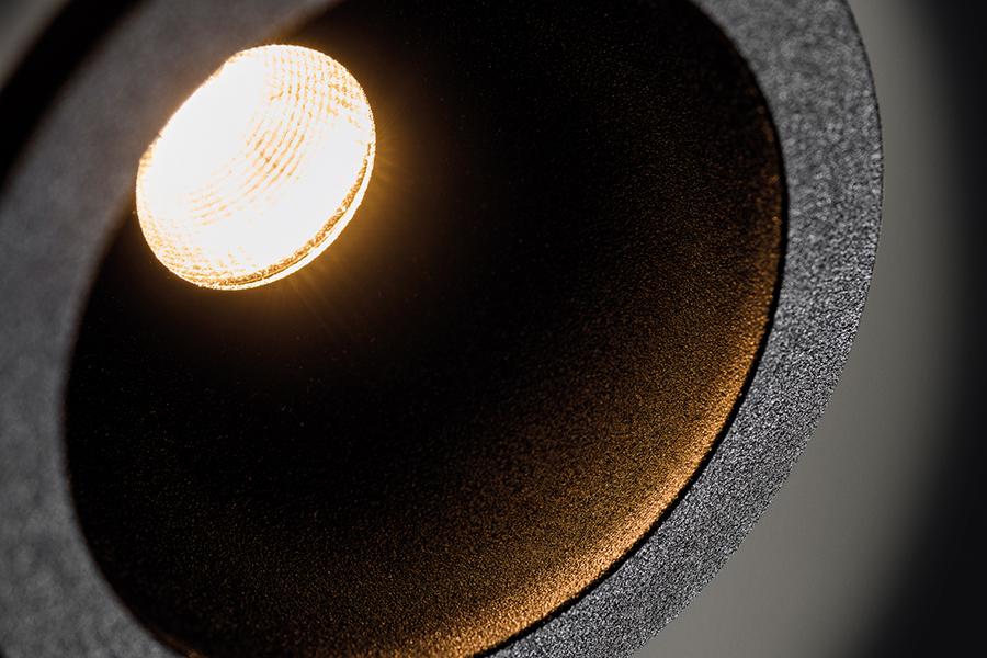 helax sml textured black detail 10x06cm 1 - Светильники для помещений с повышенным уровнем влажности!